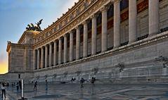 ROM  - Monumento Vittorio Emanuele II -  Säulengang