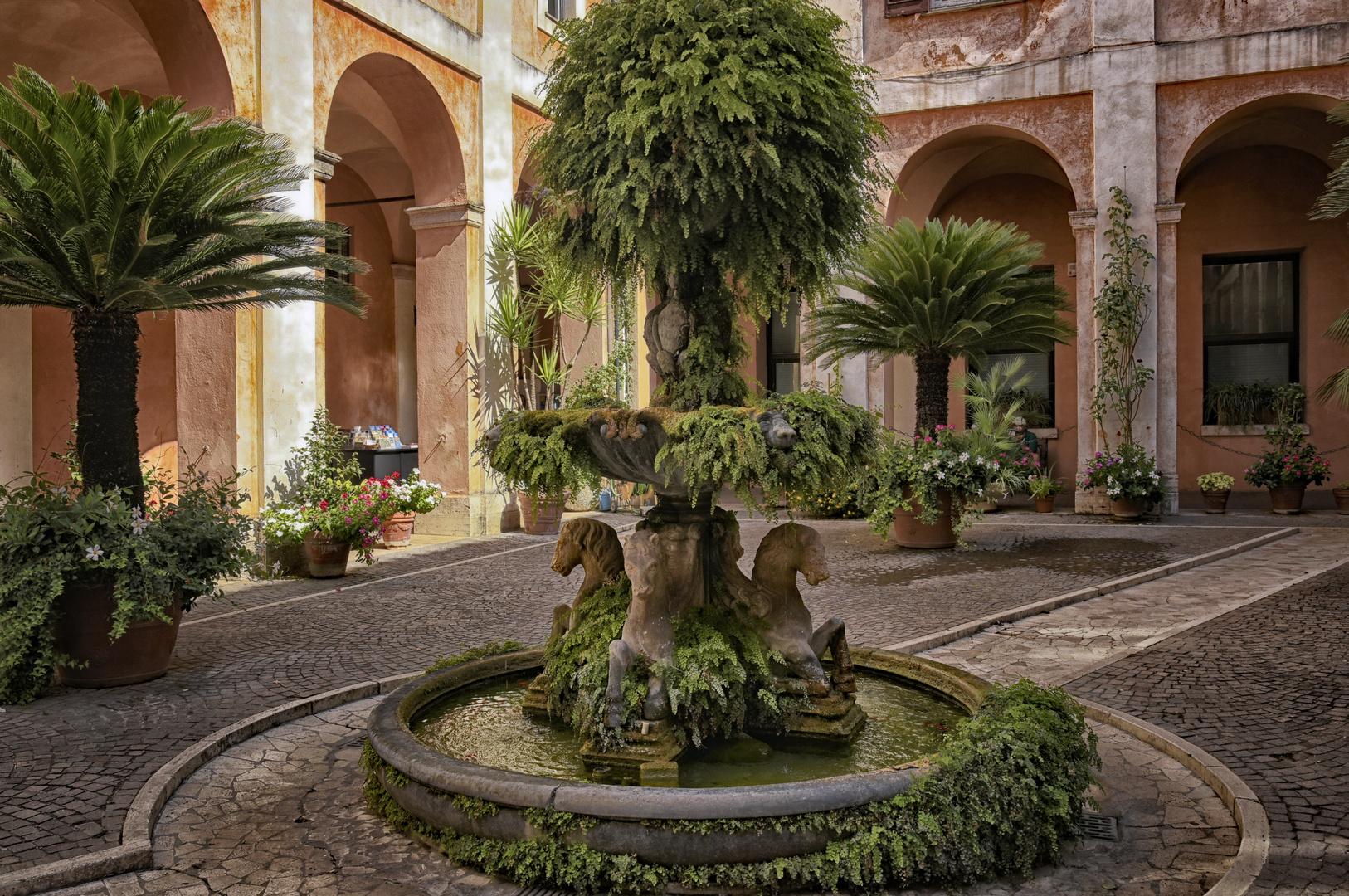ROM - ST. COSMA E DAMIANO Via Cairoli -  Innenhof - Basilica di Cosma e Damiano -