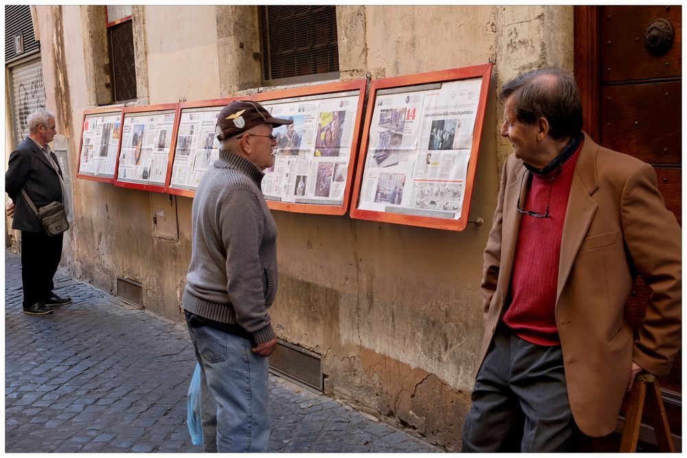 Rom - Zeitungsleser