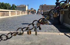 Roma e i lucchetti di Ponte Sisto