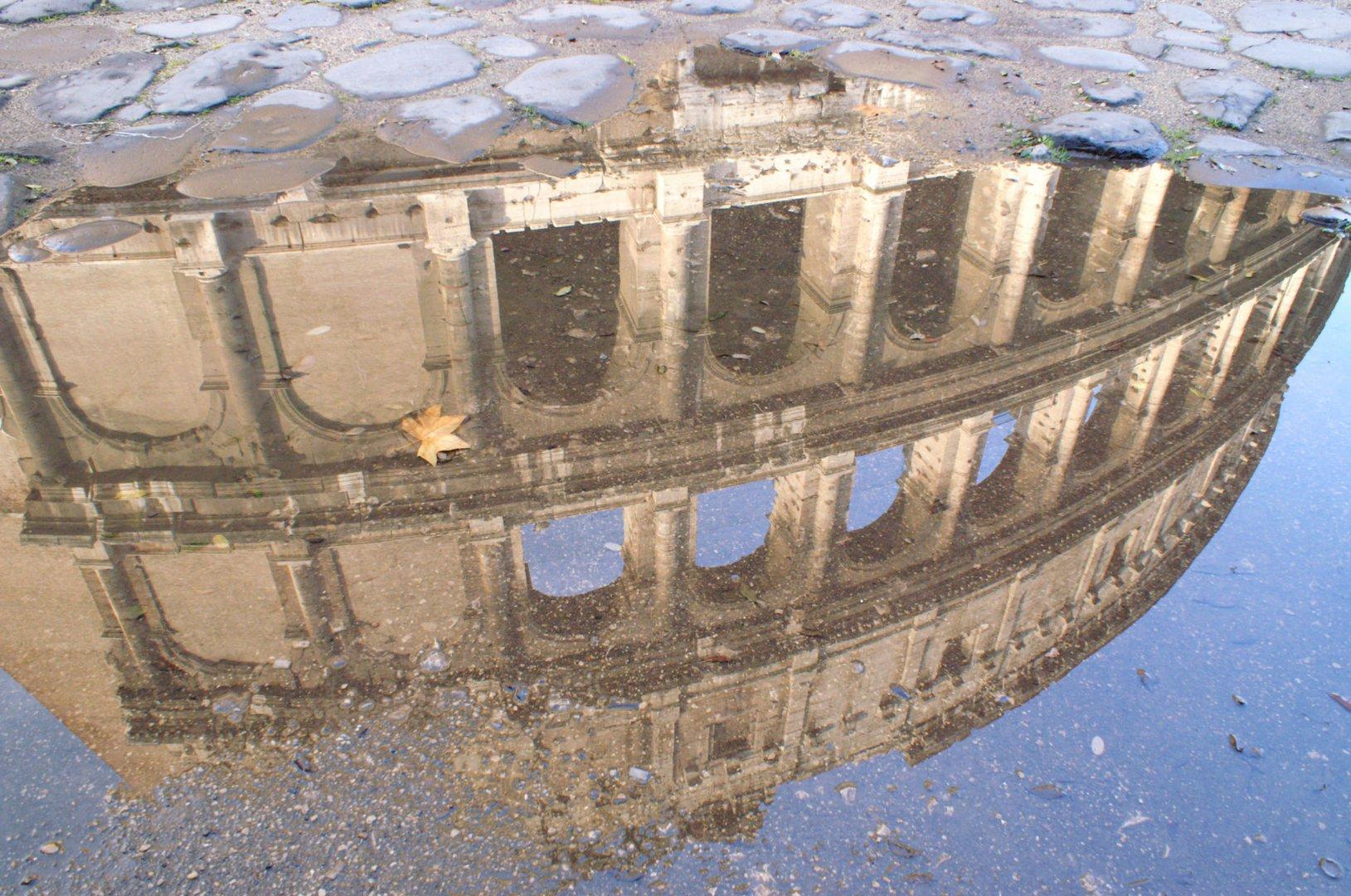Roma Il Colosseo in Autunno..