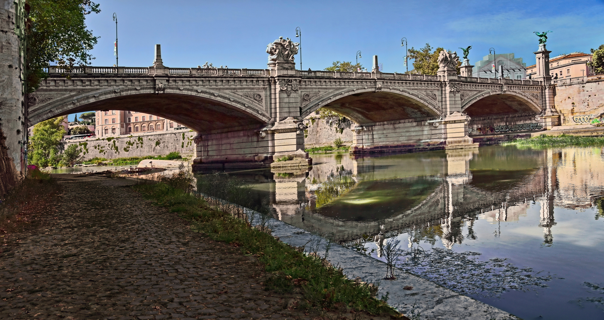 ROMA - Spaziergang am Tiber -