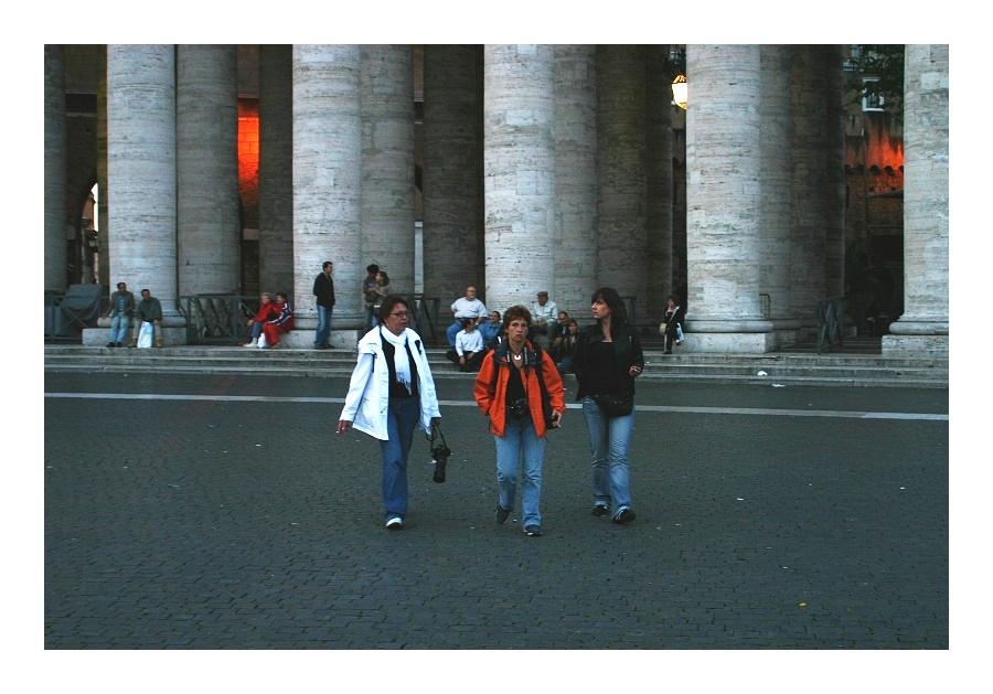rome fashion - drei grazien, mittig