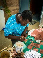Ronald Kharuxab. Der Künstler bei seiner Arbeit.