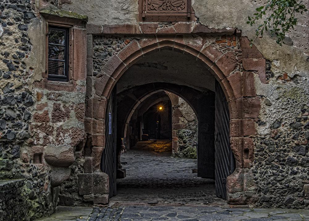 Ronneburg - Tor zum mittleren Burghof