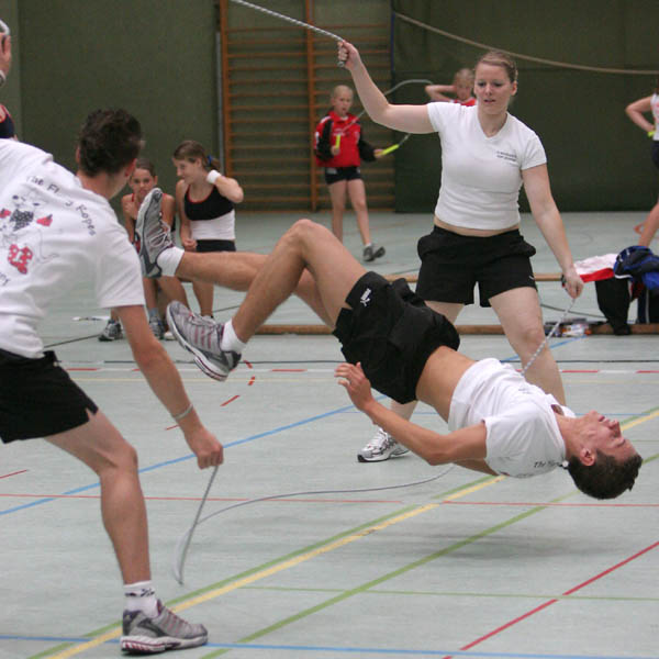 Rope-Skipping / Double Dutch