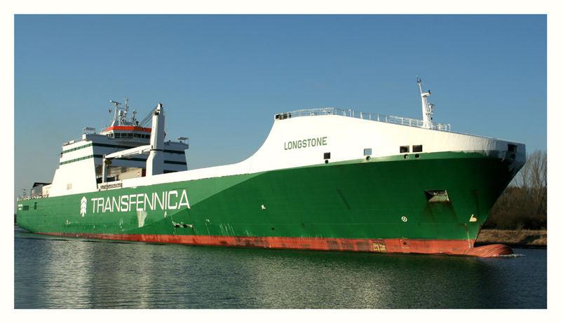 RoRo Frachter der britischen Regierung in Charter der Transfennica / Helsinki