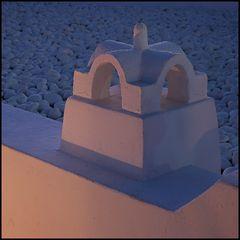 rosa-blaues Kamin
