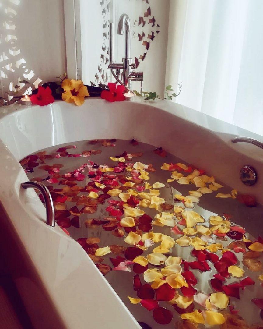 Rosen Blüten Bad