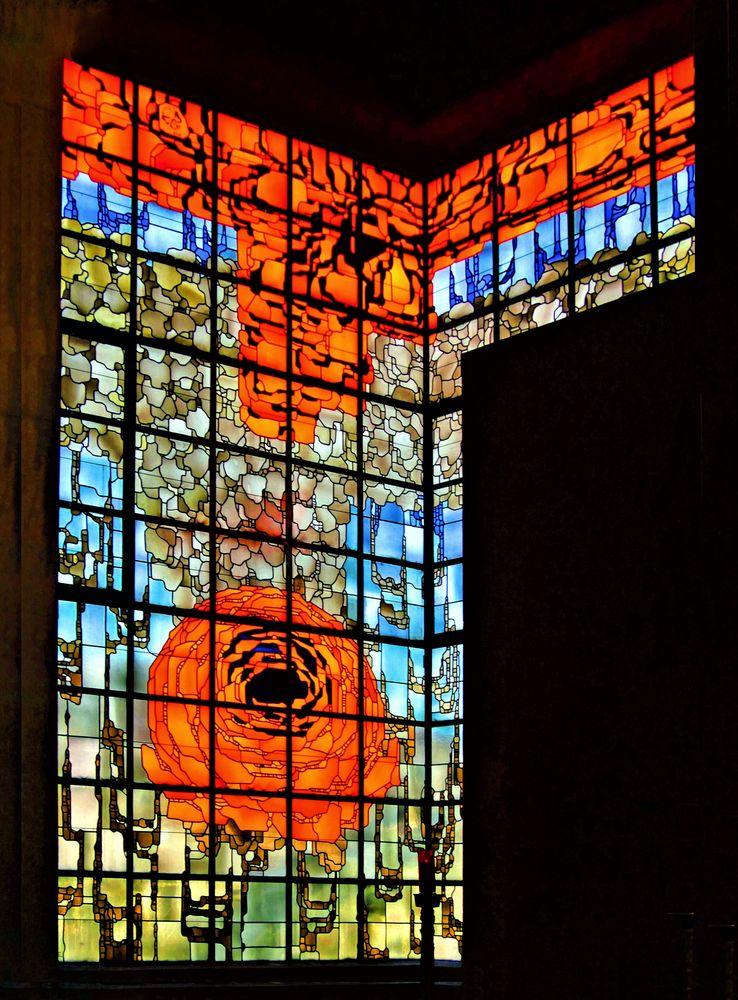 """ Rosenfenster ""  der Kirche in Neviges"