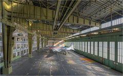Rosinenbomber im stillgelegten Flughafen