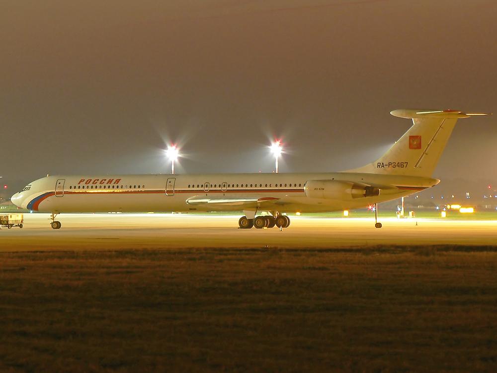 Rossiya Il-62 , RA-86467 in DUS