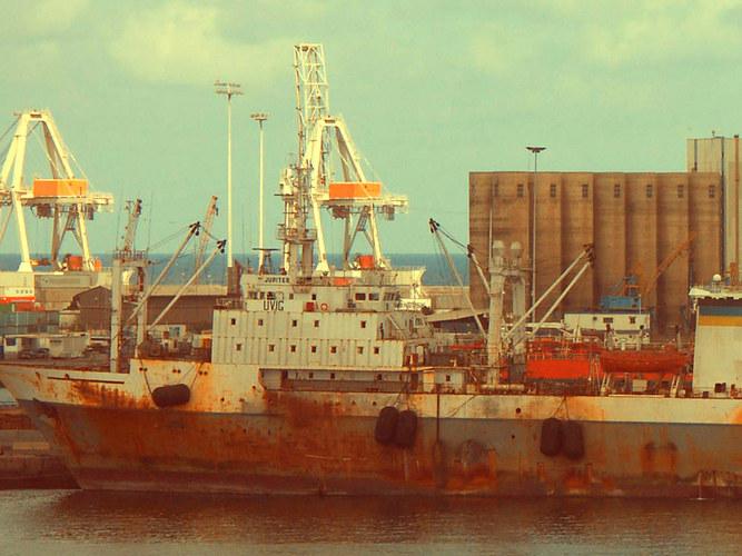 Rostiges im Hafen