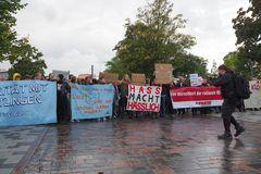 Rostock demonstriert friedlich (10)