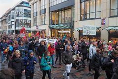Rostock demonstriert friedlich (11)