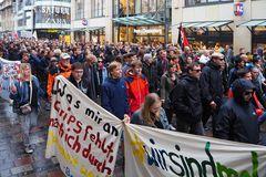 Rostock demonstriert friedlich (13)