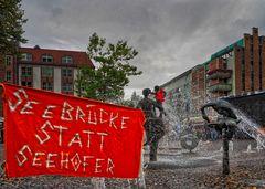 Rostock demonstriert friedlich (15)