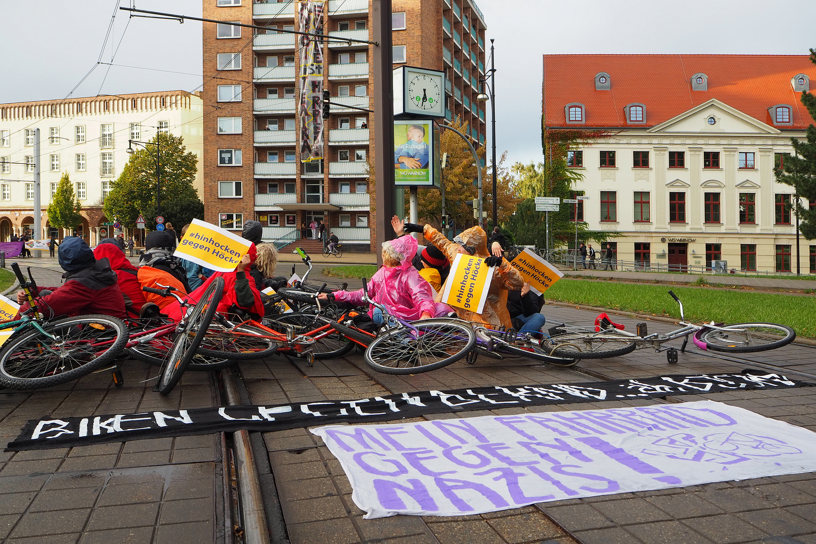 Rostock demonstriert friedlich (16)