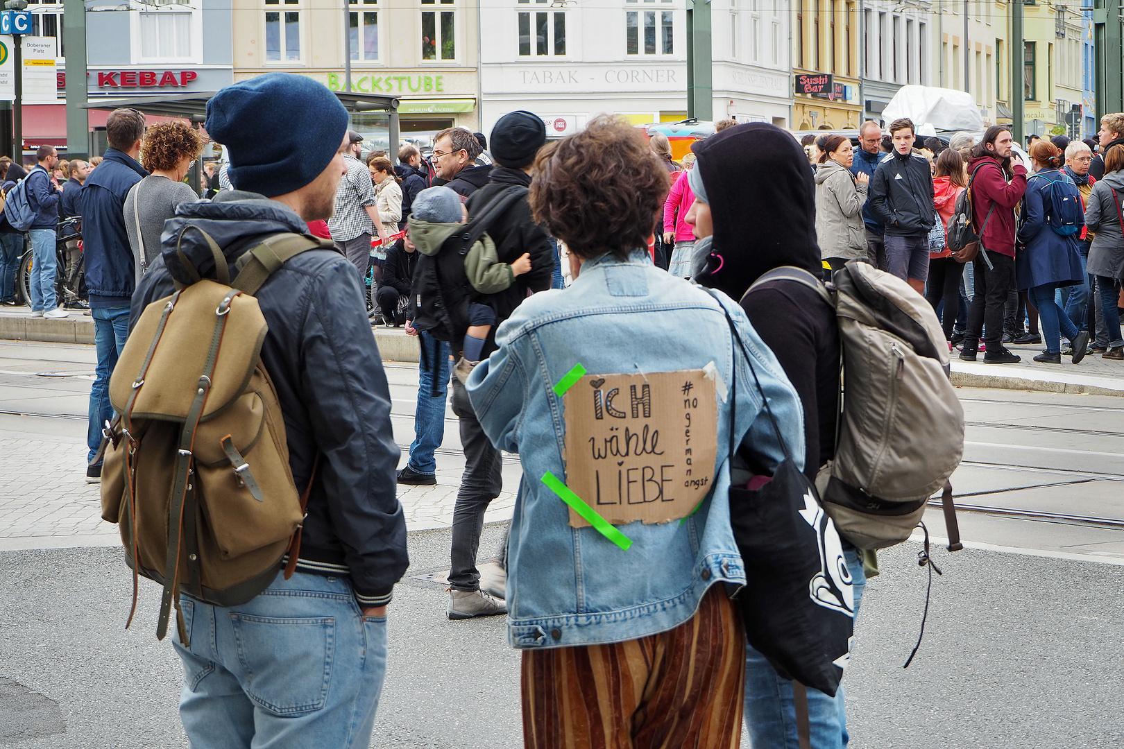 Rostock demonstriert friedlich (7)