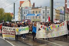Rostock demonstriert friedlich (8)