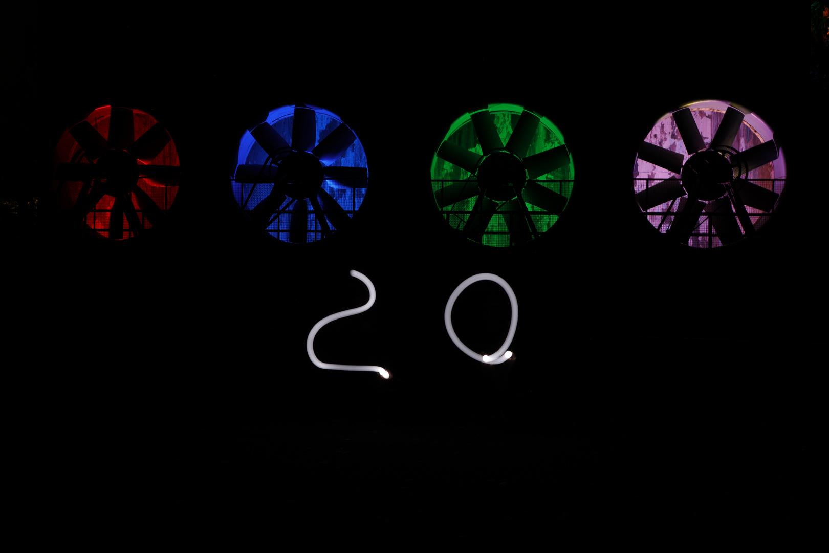 Rot - Blau - Grün - ? -20