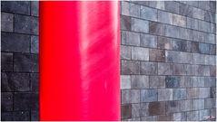 Rot mit Mauer