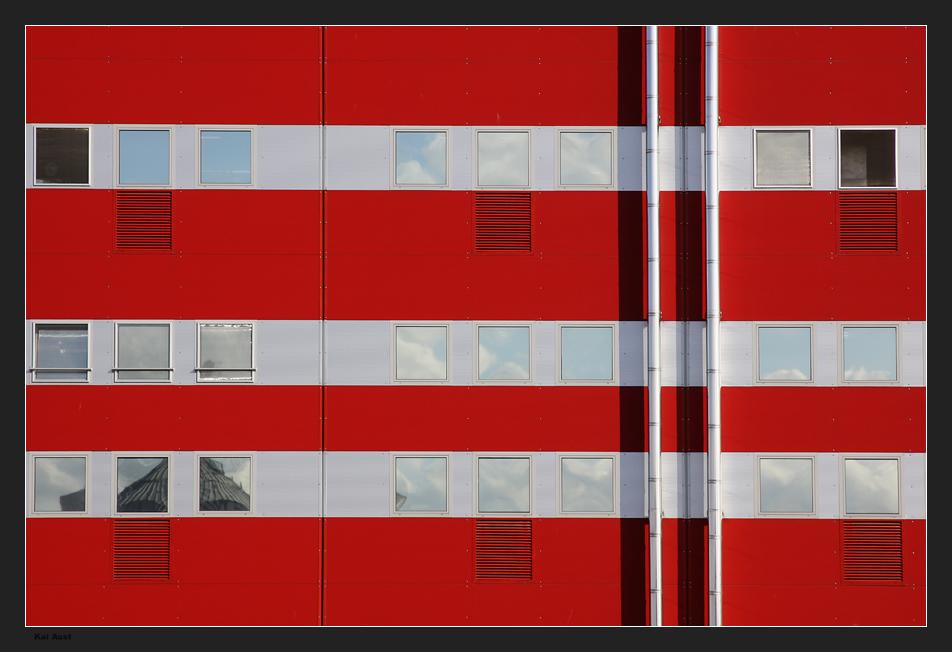 rot-weiß CCXXI (221)