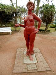 Rote Frau