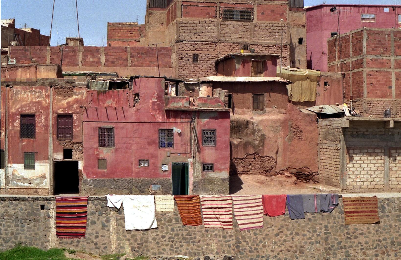 Rote häuser in Khenifra Maroc