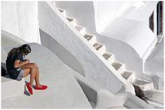 rote Schuhe in Oia
