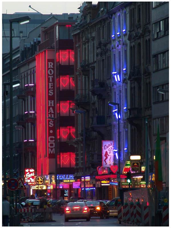 Rotes Haus blaues Haus Foto & Bild