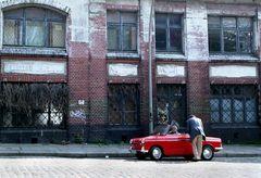 rotes Spaßmobil