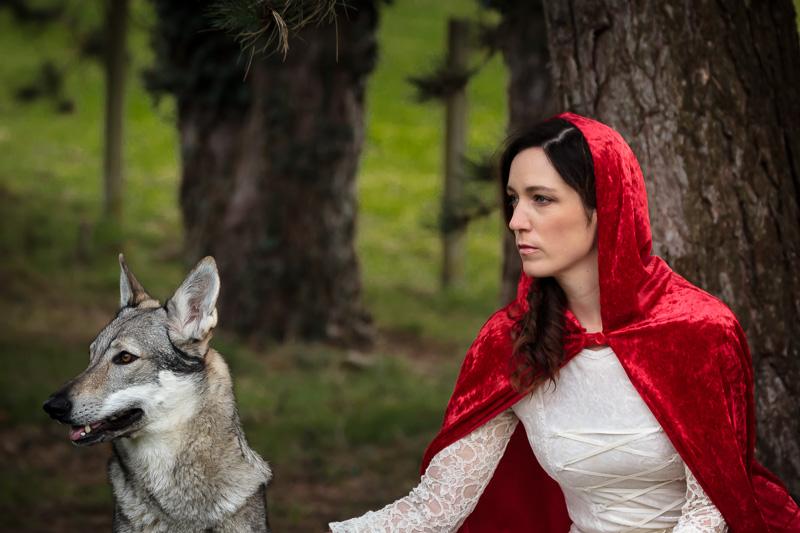 """"""" rotkäppchen und der wolf """" foto  bild  portrait"""