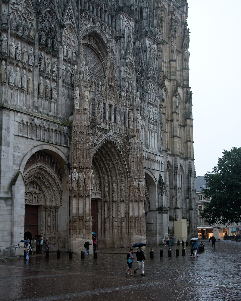 Rouen Kathedrale im Regen