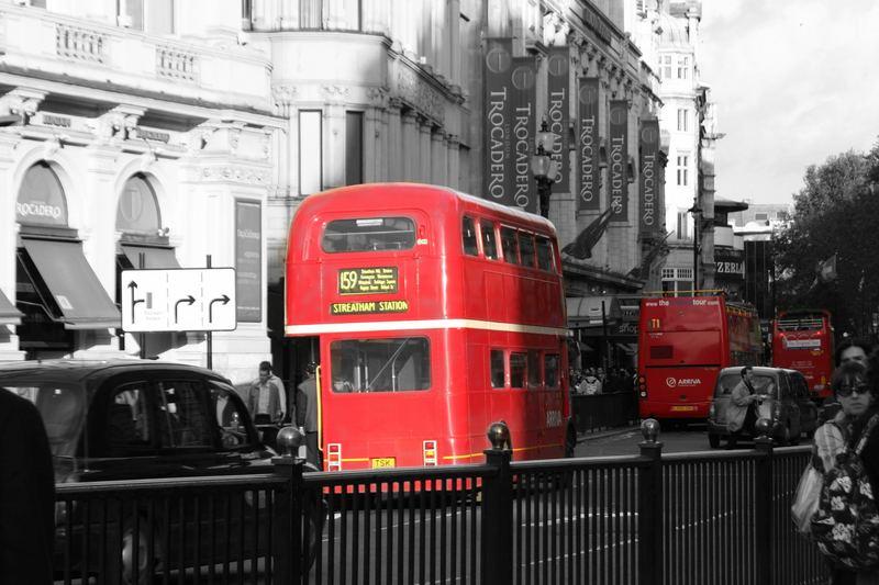 Routemaster mitten in London