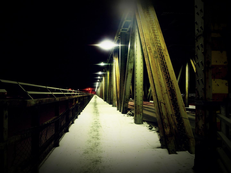 Rovaniemi Brücke bei Nacht (2)