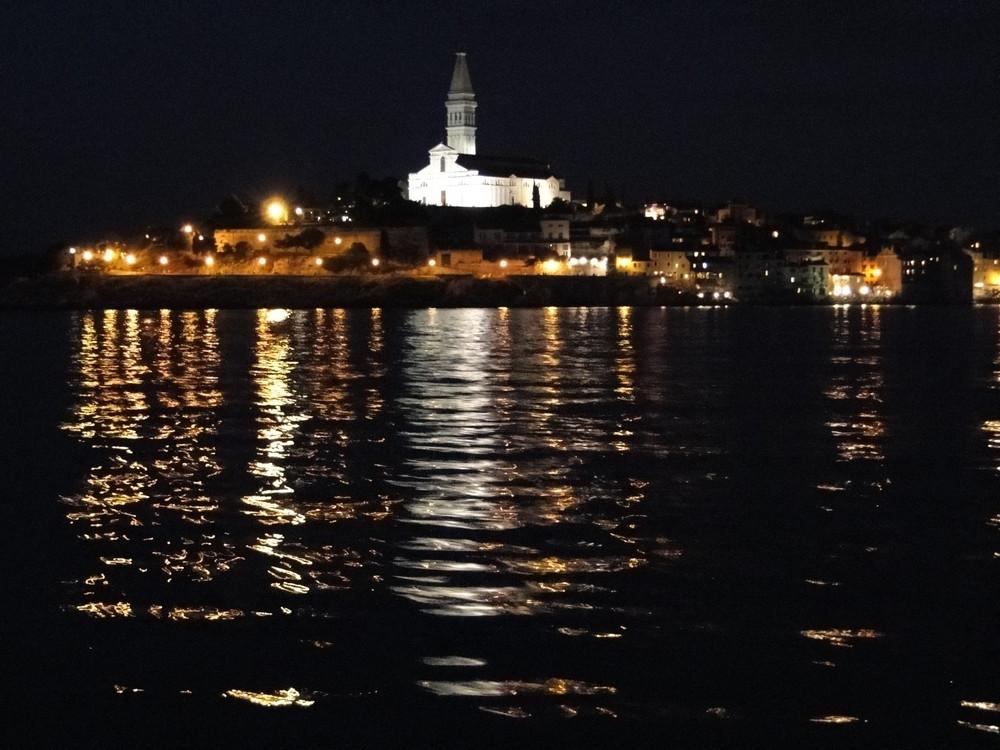 Rovinj bei Nacht
