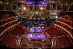 .Royal Albert Hall.