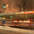 Ruckeliges Anfahren bei Schnee - Jasper 8116 im Warnckesweg, Ecke Borsteler Chaussee