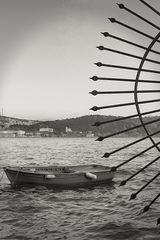 Ruderboot im Hafen