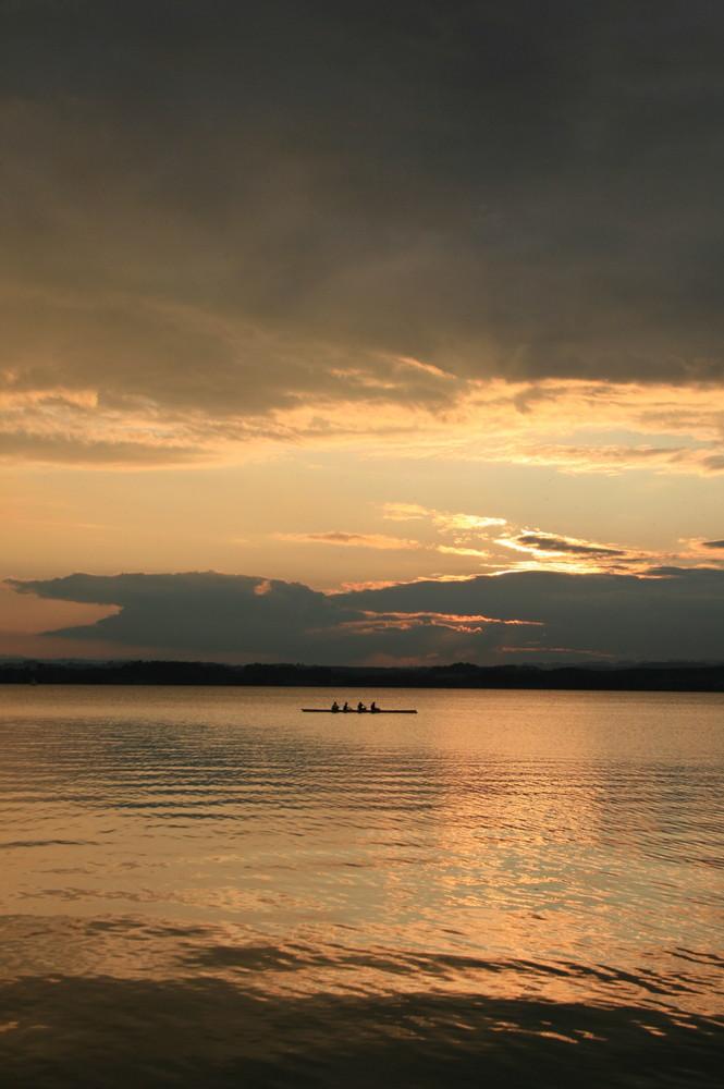 Rudern im Sonnenuntergang