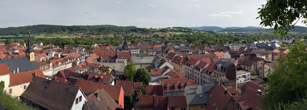 Rudolstadt - Blick über die Stadt beim Aufstieg zum Schloss
