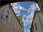 Rue principale de Terraube et clocher de l'Eglise Notre-Dame de  la Nativité