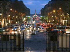 Rue Royale (Paris) am Abend