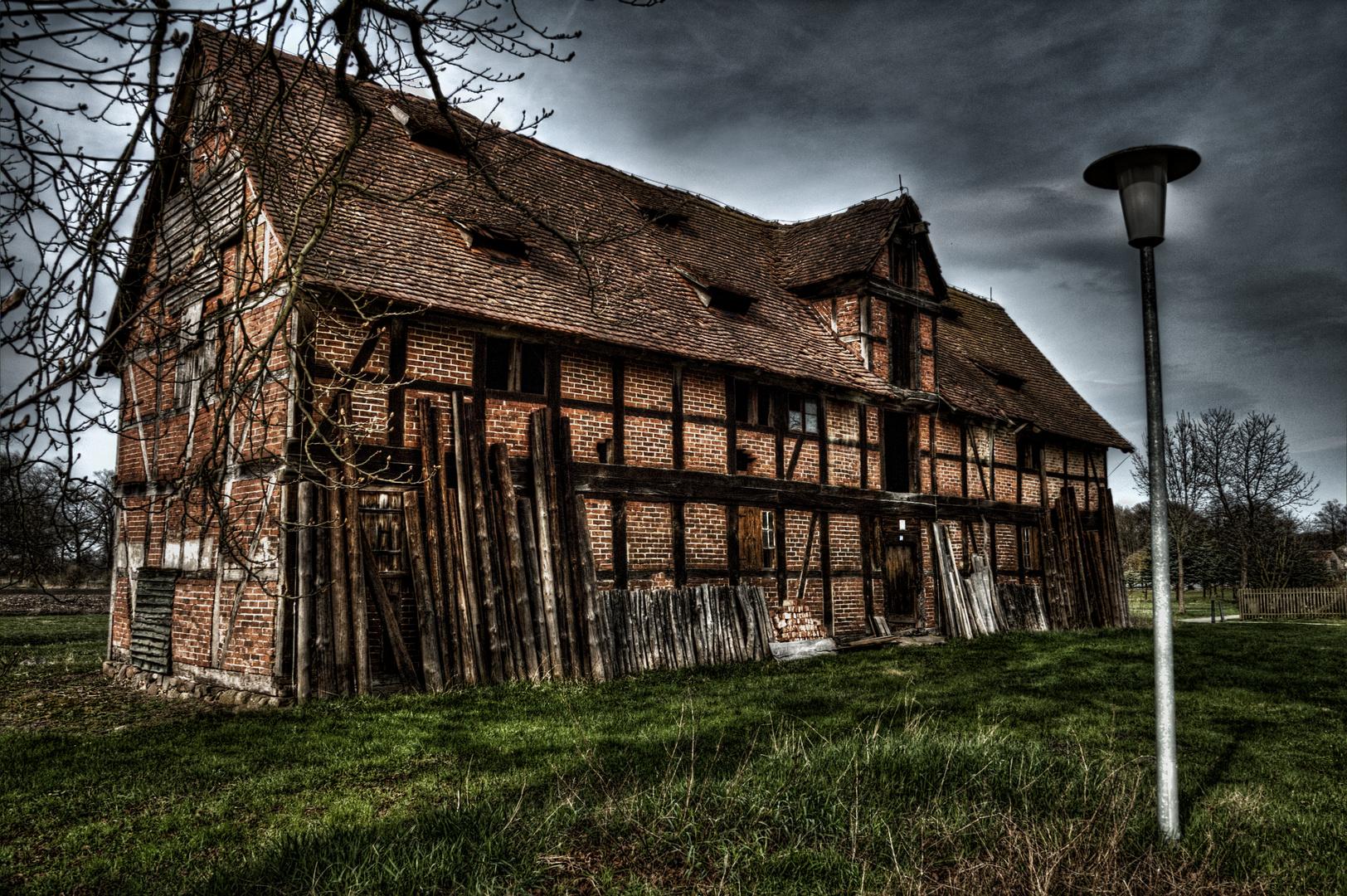 Ruine beim Schloss Tylsen in Sachsen Anhalt