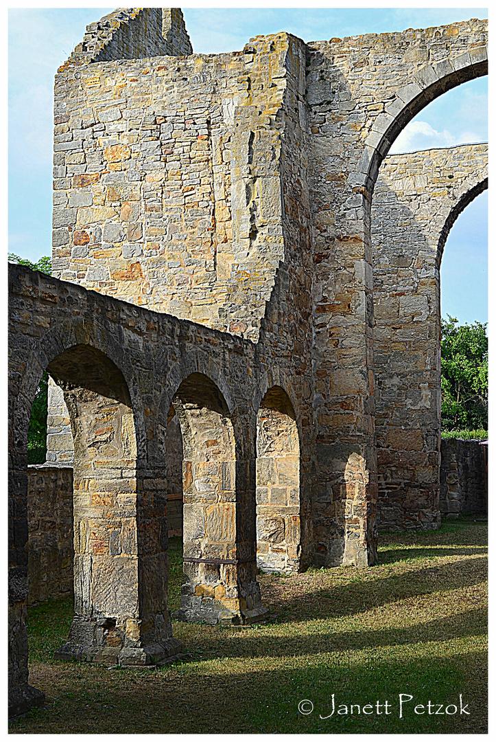 Ruine der Stiftskirche St. Marien in Walbeck...