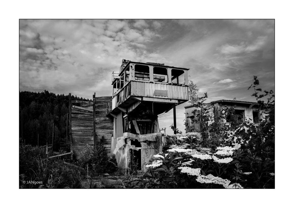 Ruine Salzdorf, LA