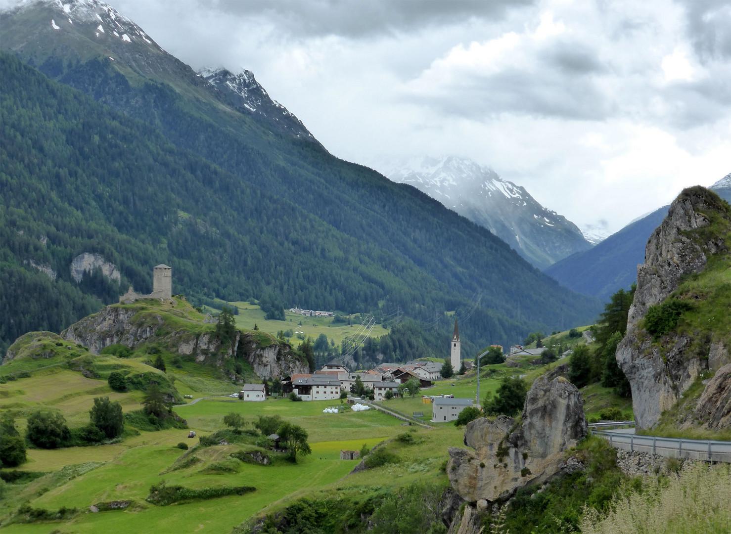 Ruine Steinsberg und Ardez