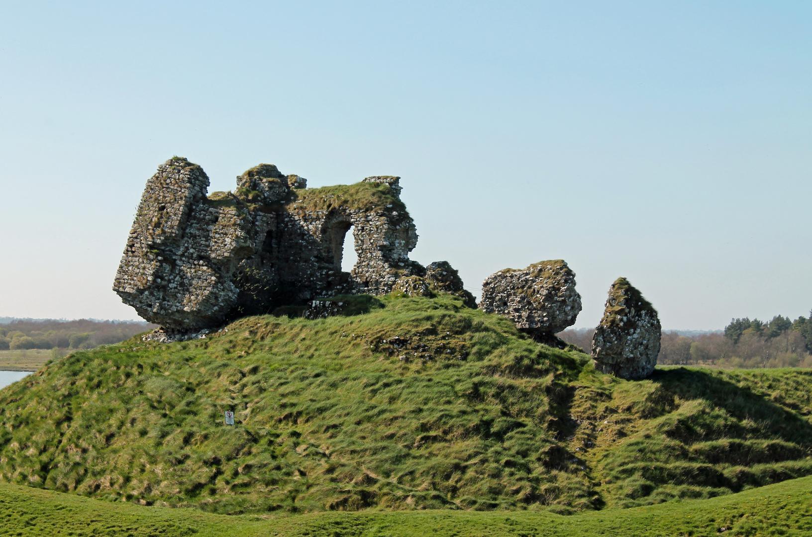 Ruinen einer Normannenburg, Clonmacnoise, Irland