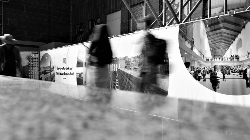 Rushhour-1 SPIEGEL HBF caR 18-swfx +Fotos